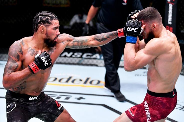 Макс Гриффин нокаутировал Рамиза Брахимая на UFC Vegas 13, фото травмы