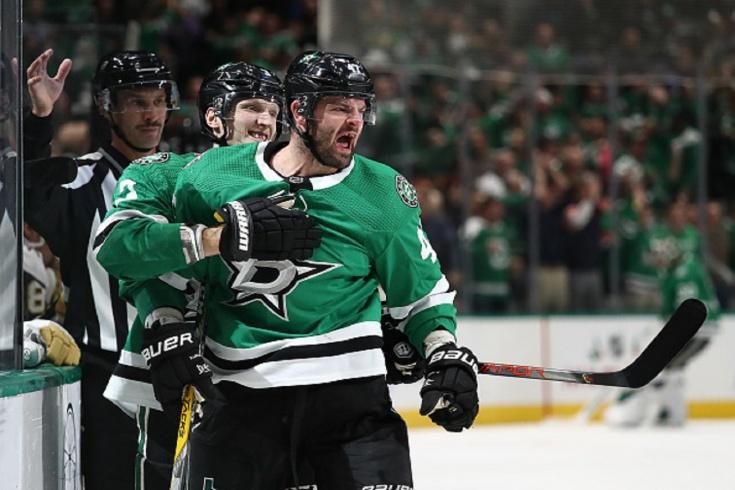 Радулов снова гремит в НХЛ! Отдал шикарную передачу, а потом смеялся над своим голом