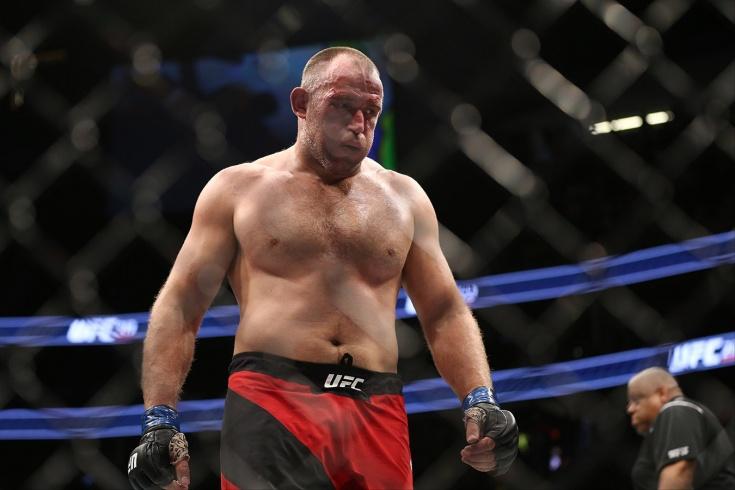 Льюис — Олейник. Прогноз на бой UFC 9 августа