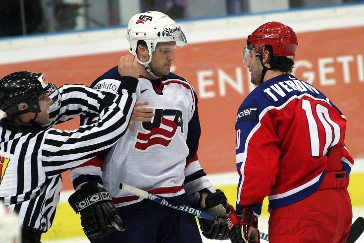 Главные провалы топовых команд на хоккейных чемпионатах мира: сборные России, США, Канады, Финляндии, Швеции и Чехии