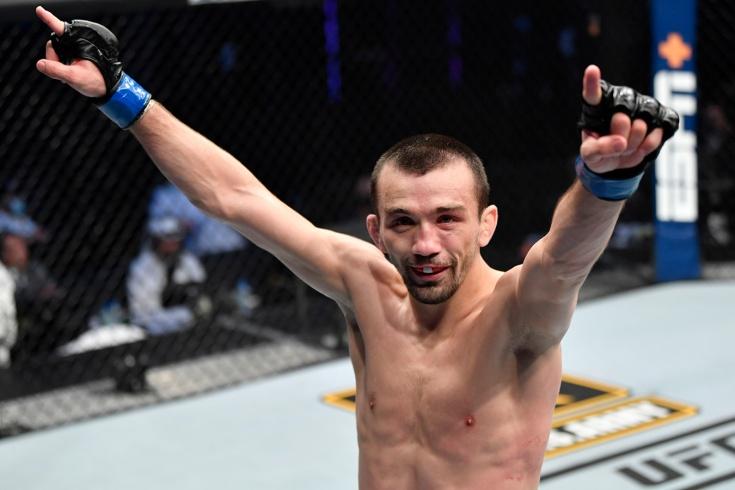 Обзор боя Аскар Аскаров – Алешандре Пантожа на UFC Fight Night, видео