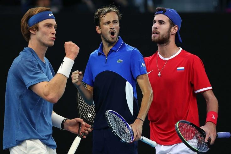 Медведев и Рублёв шагнули во 2-ю неделю US Open. Где потерялся Хачанов?