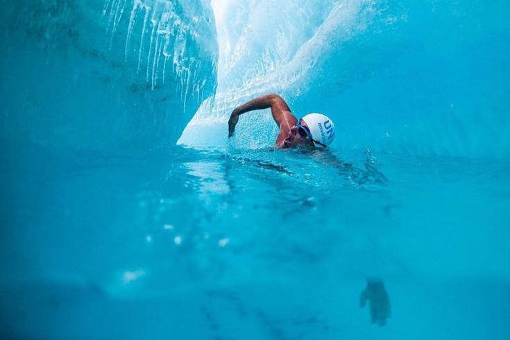 Льюис Пью проплыл в водах Антарктиды
