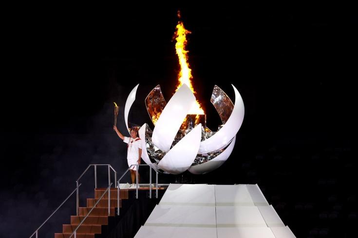 Летние Олимпийские игры 2020 (2021). 23 июля - 8 августа. Токио. Naomi-osaka-zazhgla-olimpijskij-ogon-na-ceremonii-otkrytiya_1627052213126142740