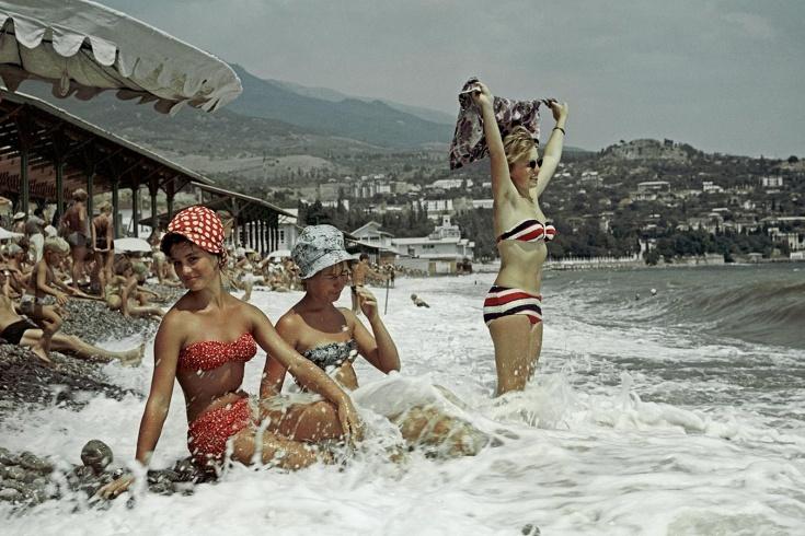 Как выглядели красивые девушки в СССР? Мода, отношение к спорту и фигуре. Фото
