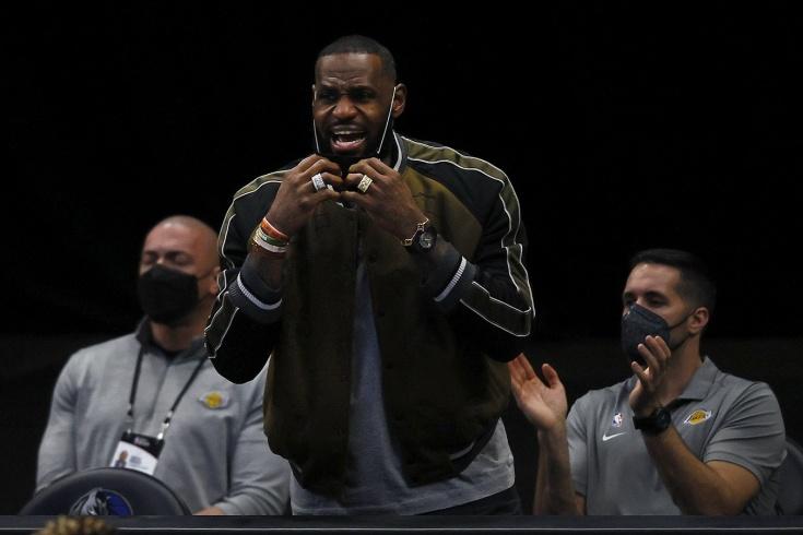 «Лос-Анджелес Лейкерс» рискуют попасть в турнир плей-ин и вылететь от «Голден Стэйт Уорриорз»