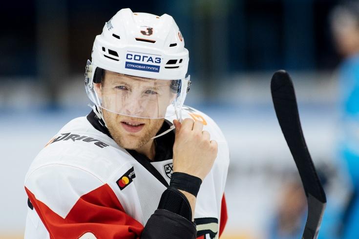 «Сначала не слезал с толчка, потом подхватил лишай». Канадец Верстиг – о хоккее в России