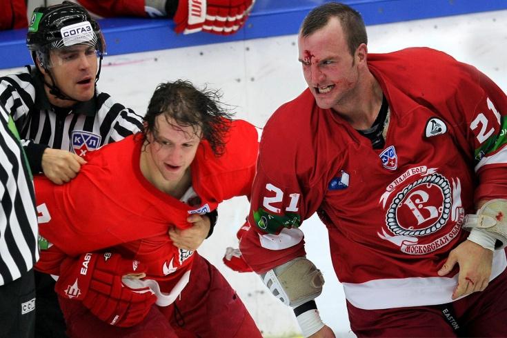 9 самых грубых хоккеистов в истории КХЛ. Рекорд Дарси Веро никогда не будет побит?