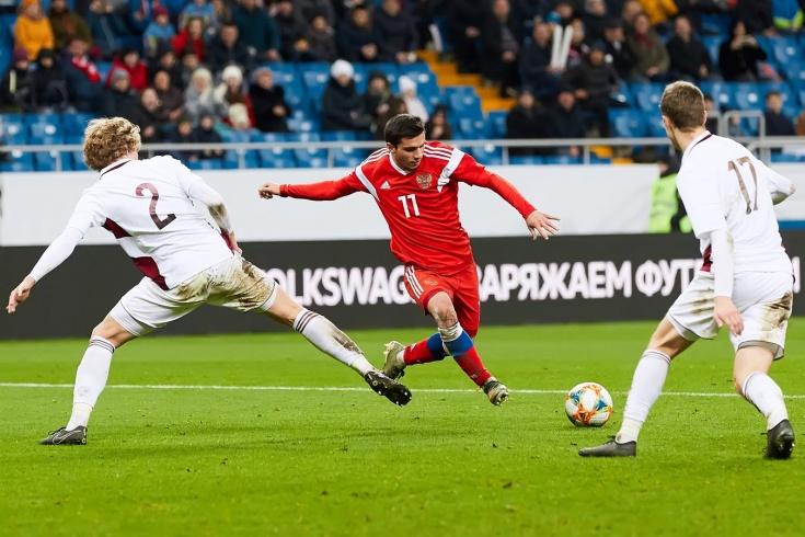 В России считали талантищем, а в Германии не взяли во вторую лигу. Что не так с Шапи