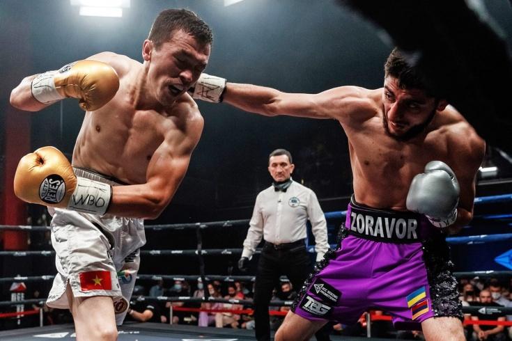 Странная победа Зоравора Петросяна на вечере бокса в Екатеринбурге, видео
