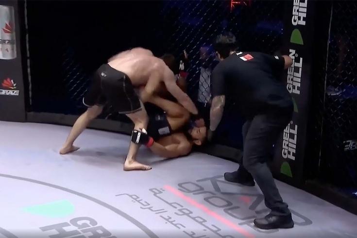 Не отдавать судьбу в руки судьям! Россиянин вырвал победу за 35 секунд до сирены. Видео