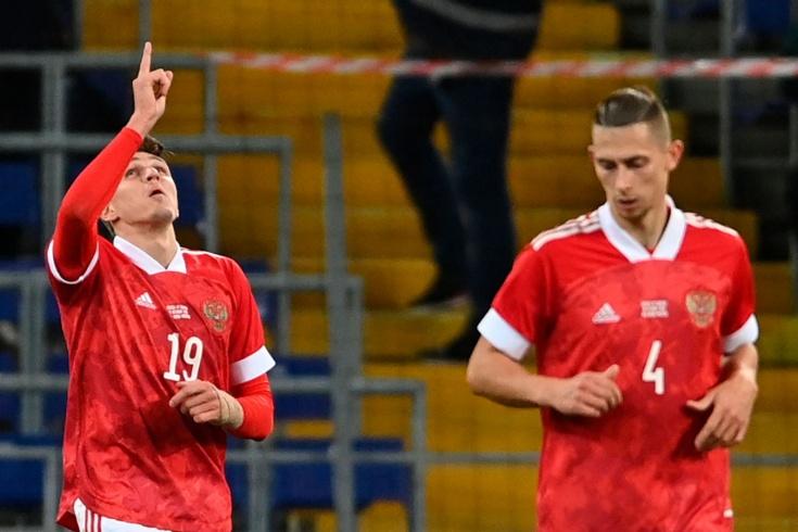 Соболев забил в первом же матче за сборную! Но его гол не спас Россию