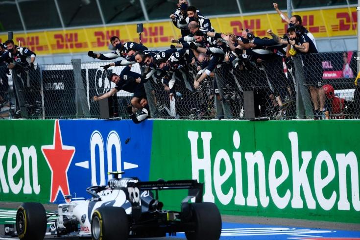 Невероятная гонка Ф-1 в Монце! Все лидеры провалились, а выиграл напарник Квята!