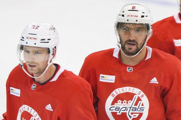 «Похоже, НХЛ выборочно применяет правило, требуя изолировать четырёх русских»