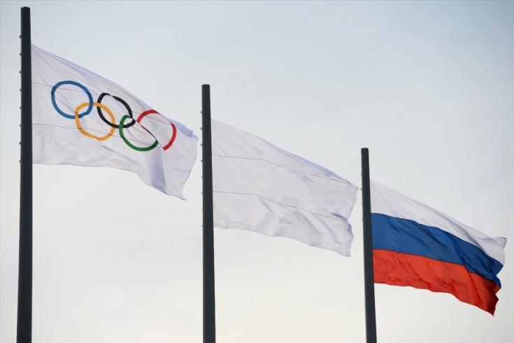 Олимпийский флаг, национальный флаг России