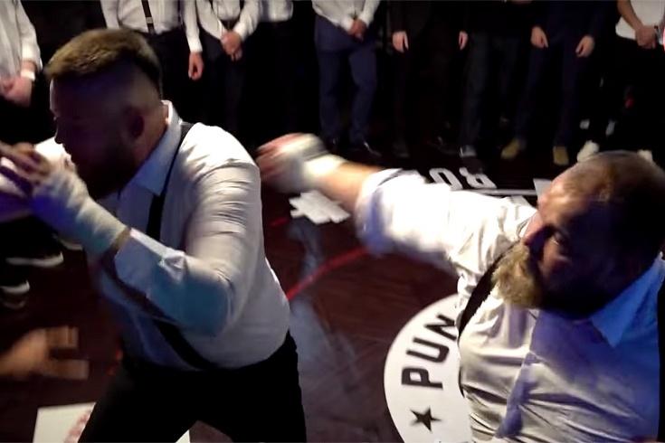 Василий Пельмень Камоцкий одержал победу в бою на голых кулаках