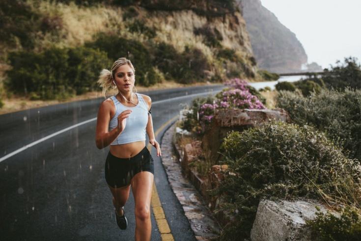 Чем отличается бег в горах от пробежки в парке: экипировка, виды бега