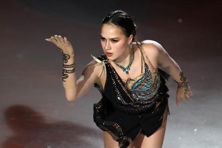 Как Алина Загитова выступает в шоу
