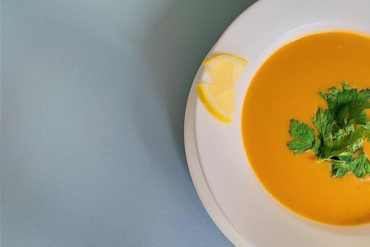 Как приготовить чечевичный суп-пюре: полезно и не навредит фигуре