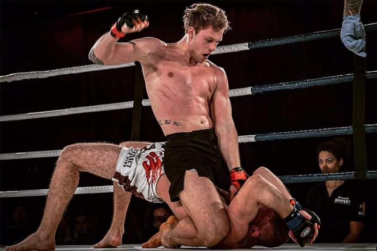 Антон Туркаль нокаутировал Константина Солдатова на Brave CF 50 и убежал из клетки, видео