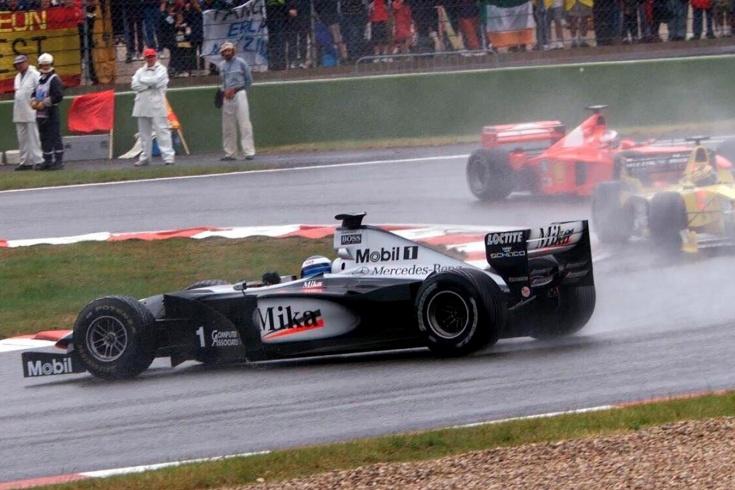 Хаккинен прорвался с 14-го места, Шумахер летел под дождём. Франция-99 — топ-этап Ф-1!