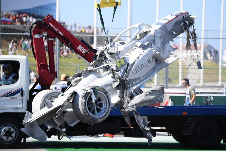 В Формуле-1 катастрофа с безопасностью: пожары не тушат, людей не берегут. Это вообще как?