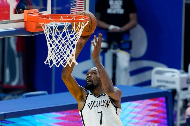 Кевин Дюрант вернулся на арену «Голден Стэйт Уорриорз» и помог «Бруклин Нетс» уверенно выиграть