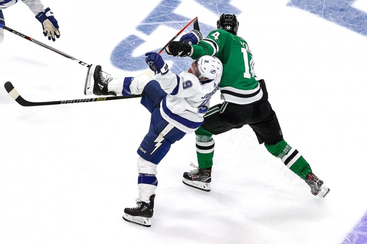 «Судьи определяют исход матчей — это традиция!» Скандал в НХЛ может решить судьбу финала