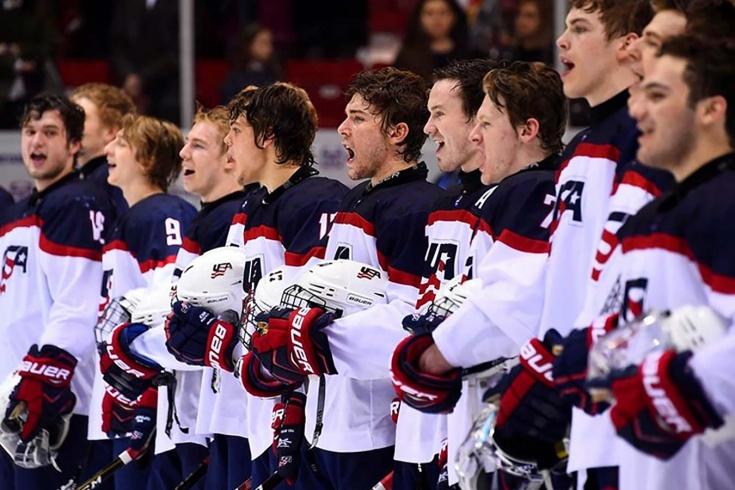 На ЮЧМ-2018 выключили гимн США после их победы над Россией, игроки продолжили петь а капелла