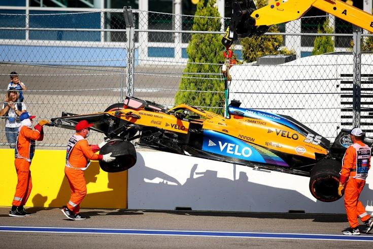 «Ужасная конфигурация». Гонщики Формулы-1 раскритиковали аварийный поворот в Сочи