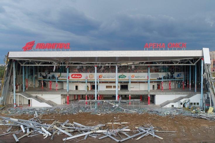 Аварийную «Арену-Омск» начали демонтировать