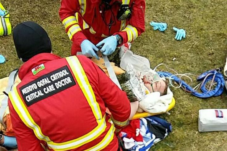 Британский мотоциклист упал со скалы и выжил