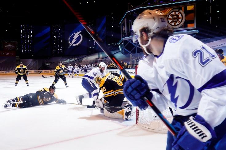 НХЛ продолжила плей-офф на фоне протестов в США. Это было ошибкой?