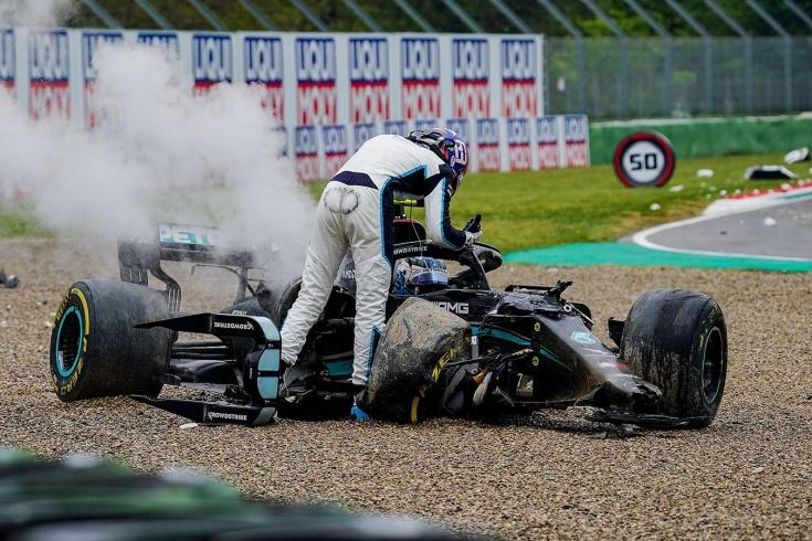 Джордж Расселл столкнулся с Валттери Боттасом на Гран-при Эмилии-Романьи — Вольф недоволен, видео