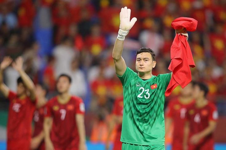 Воспитанник «Спартака» и «Динамо» защищает ворота сборной Вьетнама. Как он там оказался?