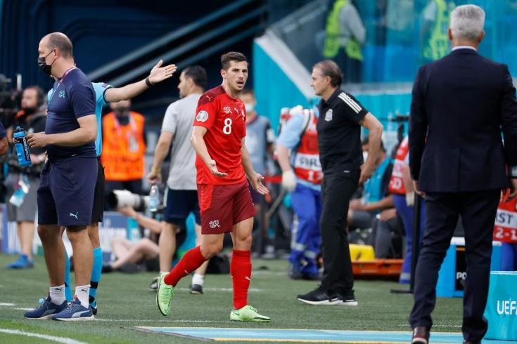 Судьи вытащили Испанию в полуфинал Евро? Разбор спорного удаления у сборной Швейцарии