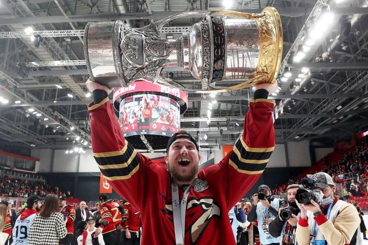 Чемпион КХЛ не договорился со своим лучшим снайпером. Почему Буше выбрал «Локомотив»?