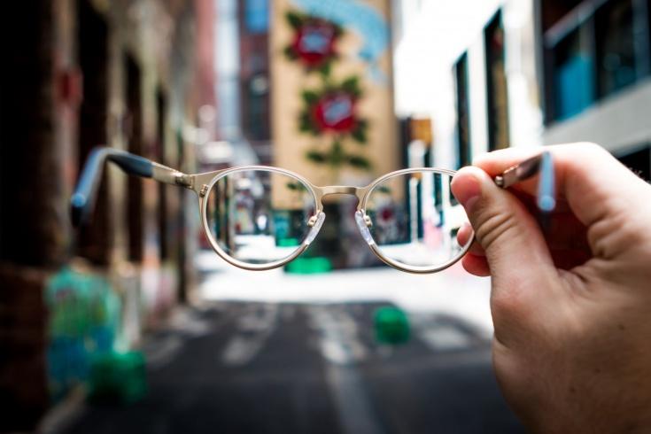 Как можно тренироваться с плохим зрением, можно ли заниматься спортом в очках