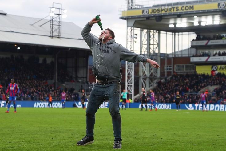 Алкоголь может вернуться на английские стадионы. Стоп, а его разве там нет?